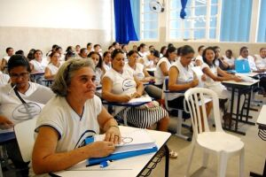 Secretaria de Educação inaugura nova unidade em Peruíbe