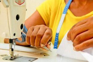 As aulas do curso de corte e costura, com carga horária de 160 horas, ocorrerão de segunda a sexta-feira no período da manhã
