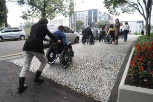 Guarujá cria banco de currículos para pessoas com deficiência