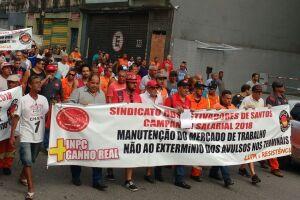 A categoria saiu do sindicato às 8h45, na rua dos Estivadores