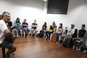 Este ano será retomado o curso de artes integradas (música, teatro e artes visuais, para crianças de 7 a 8 anos).