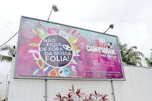 Os tradicionais carnavais dos clubes são opção para quem vai passar o feriado em Santos