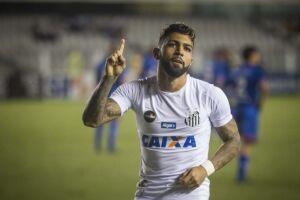 Gabigol marcou em sua reestreia na Vila