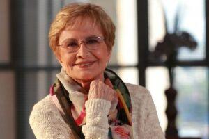Glória Menezes tem 83 anos