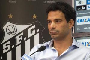 Gustavo Vieira foi demitido nesta terça-feira (20) do Santos