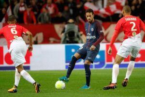 Neymar ficou com a segunda colocação entre os jogadores que disputam os Campeonatos Inglês, Espanhol, Francês, Alemão e Italiano
