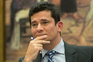 Moro condenou dois ex-gerentes da Petrobras, dois empresários e um dirigente da Andrade Gutierrez