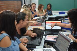 Cerca de 700 professores da Rede Municipal de Ensino estão participando de treinamento