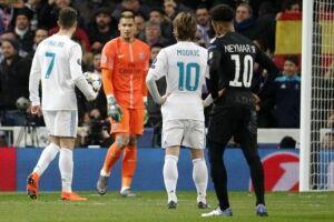 O atacante Neymar foi decisivo na jogada do gol do Paris Saint-Germain e procurou a bola desde o início, mas sua atuação na derrota por 3 a 1 para o Real Madrid nesta quarta-feira (14), pelas oitavas da Liga dos Campeões, não agradou de forma geral a impr