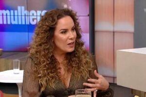 A apresentadora sempre usou cabelo liso, mas decidiu mudar para a sua estreia na Tv Gazeta. E foi criticada.