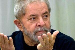 Lula e outros 12 investigados são réus
