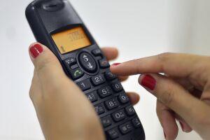 O serviço de telefonia fixa terminou o ano de 2017 com queda de 2,96%