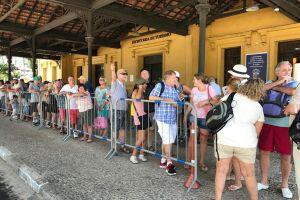 Turistas já lotam as atrações turísticas de Santos