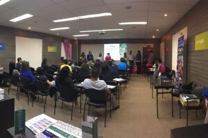 Evento gratuito reúne especialistas e intercambistas