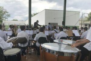 O concerto integra a 'Série Brasilidade', criada por Rodrigo Vitta, que é regente titular da Banda Sinfônica