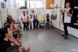 Atuando há 20 anos, a escola situada na Avenida João Francisco Bensdorp, 201 – Cidade Náutica, atende alunos dos 6 aos 18 anos com autismo, paralisia cerebral e deficiências intelectuais