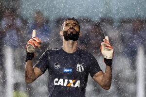 Vanderlei sabe que ser eliminado para o rival Palmeiras pode iniciar uma crise no clube e, por conta disso, aposta tudo no duelo de ida, com mando do Santos no Pacaembu