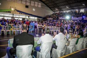 Ginásio lotado e muita alegria na apresentação das delegações, em São Vicente