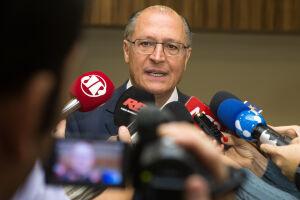 Alckmin evitou comentar a troca de farpas entre os dois pré-candidatos que terão seu apoio - o prefeito João Doria (PSDB) e o vice-governador Márcio França (PSB)