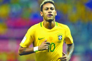 Contundido, Neymar ficou de fora do jogo contra a Alemanha na última Copa do Mundo