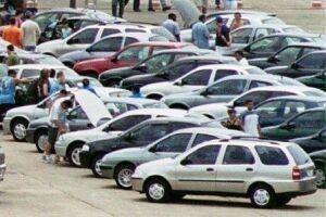 Se pretende comprar um carro, desconfie se o preço estiver bem abaixo do mercado, pois, além de um mau negócio, você pode ser vítima de um golpe