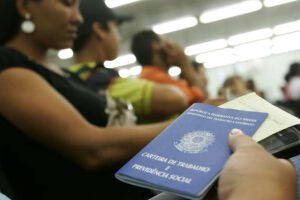 O Ministério do Trabalho concedeu 25.937 autorizações de trabalho para estrangeiros em 2017. Foram 24.294 autorizações temporárias e 1.006, permanentes