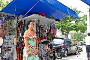 Sofia comprou uma banca de variedades no Gonzaga e há um ano e meio vende quase de tudo