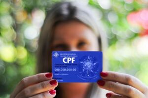 A estimativa das entidades é que o Brasil tenha 61,7 milhões de brasileiros com alguma conta em atraso e com o CPF restrito