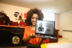 Iniciativa homenageia mulheres negras que se destacam em trabalhos nos mais diversos segmentos