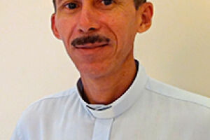 O Padre Elmiran Ferreira já está em casa