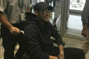 Por causa da contusão, Neymar está praticamente fora do PSG na atual temporada
