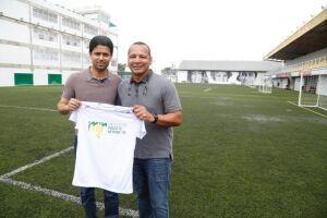 Nasser Al-Khelaifi visitou o Instituto Neymar Jr. em Praia Grande