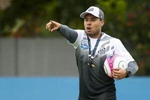 O técnico Jair Ventura já começa a sofrer pressão no clube paulista