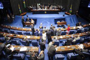 O plenário do Senado aprovou um projeto que eleva o tempo de pena para casos de feminicídio