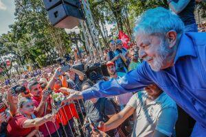 Lula escolheu a capital, símbolo da Operação Lava Jato, para encerrar uma caravana