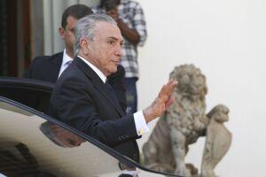 Michel Temer decidiu recorrer de decisão do ministro do STF Luís Roberto Barroso sobre o indulto natalino