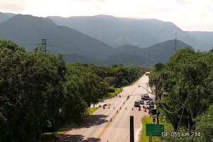 O tráfego de veículos na rodovia Mogi-Bertioga foi totalmente liberado