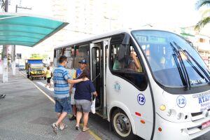 Usuários se queixam de falta de ônibus e veículos precários em Mongaguá