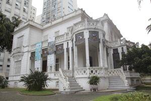 A Pinacoteca Benedicto Calixto será ponto de parada da linha turística neste final de semana