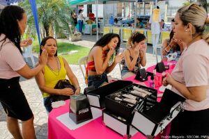 Estarão disponíveis serviços como limpeza de pele e maquiagem