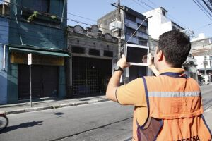Paredes, muros ou fachadas e telhados são inspecionados