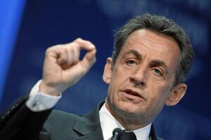"""Sarkozy, que foi presidente de 2007 a 2012, diz que a denúncia é """"grotesca"""""""