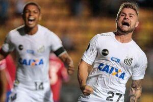 Contratado por empréstimo pelo Santos, Sasha se tornou titular absoluto do time