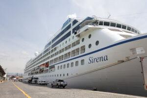 O Sirena é o 4º navio da Oceania Cruises a fazer escala em Santos