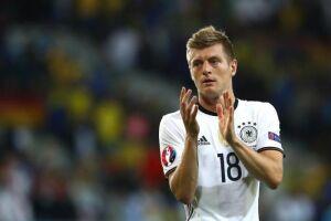 Titular da Alemanha na goleada de 7 a 1, no Mineirão, o meio-campista do Real Madrid pede atenção ao time dirigido por Tite