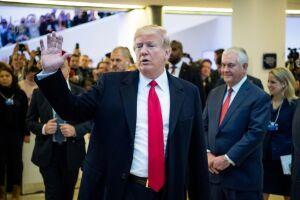 A Casa Branca voltou a negar o caso de Donald Trump com a atriz pornô Stormy Daniels