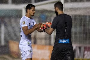Santos se classificou após disputa por pênaltis