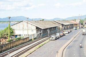 Desde 2001, a revitalização dos armazéns é discutida com as autoridades. Aideia é construir passarelas, um prédio, estacionamento e praça