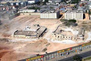 Alguns dos prédios do complexo prisional já foram demolidos
