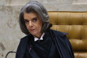 Em um breve discurso, a ministra afirmou que todos os julgamentos do Supremo são feitos de acordo com a lei